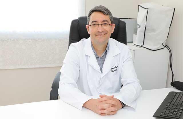 دكتور سالو  حاراتس
